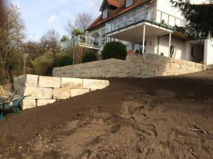 Natursteinmauer Dr. Schutt - Schütz Garten- und Landschaftsbau GmbH